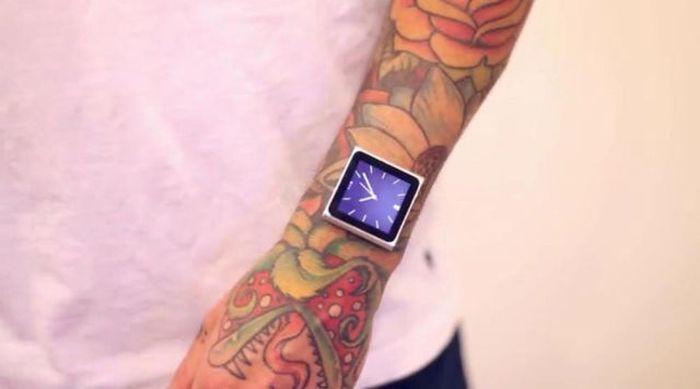 Tatuador implanta ímãs no pulso para poder usar iPod 03