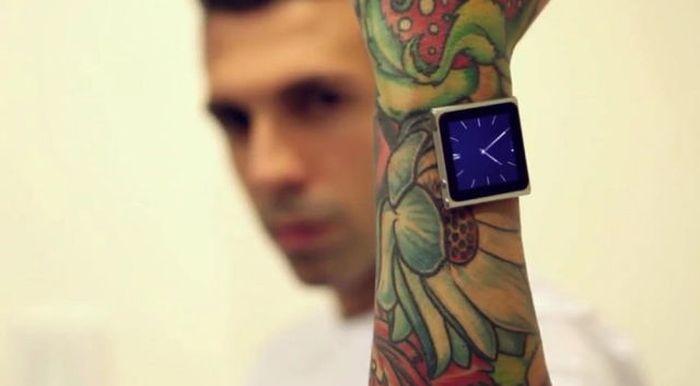 Tatuador implanta ímãs no pulso para poder usar iPod 06