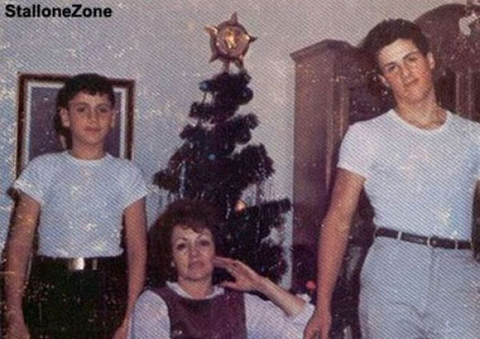 Jackie Stallone depois de trocentas plásticas 01