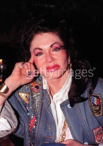 Jackie Stallone depois de trocentas plásticas 04