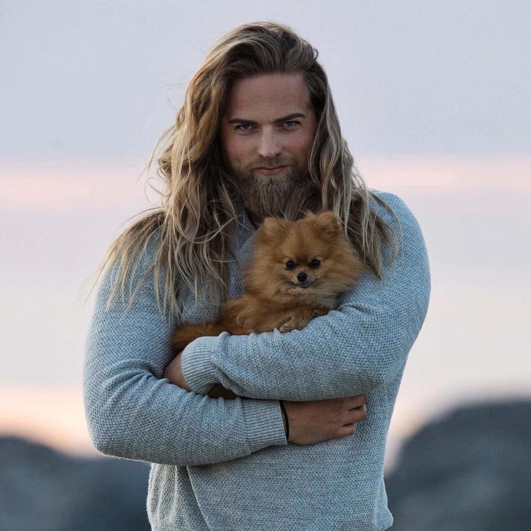 Este tenente do exército norueguês conquistou a Internet por sua semelhança com Thor 09