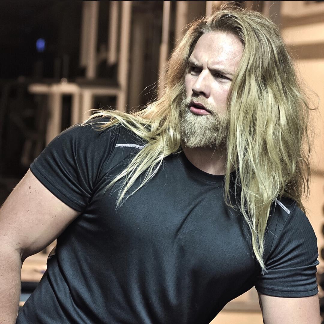 Este tenente do exército norueguês conquistou a Internet por sua semelhança com Thor 11