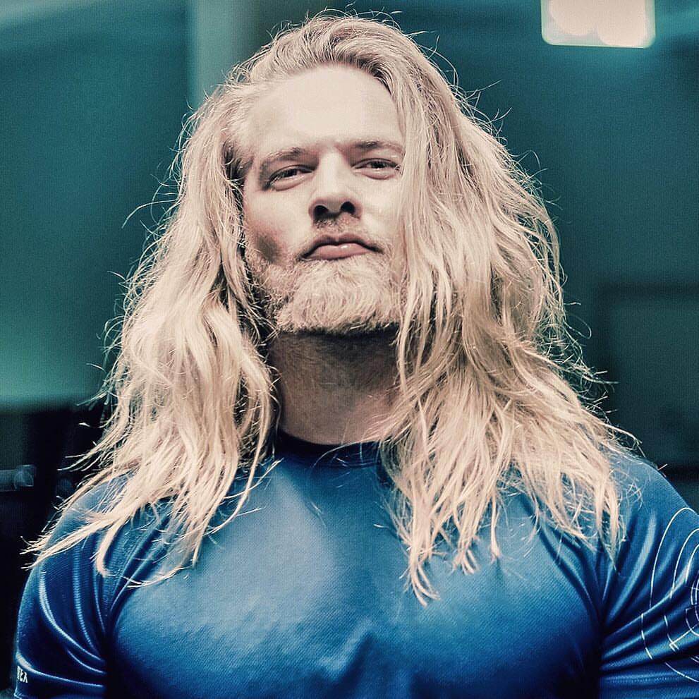 Este tenente do exército norueguês conquistou a Internet por sua semelhança com Thor 14