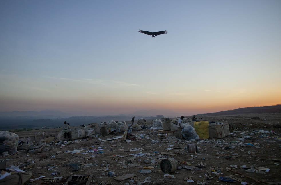 Fechamento do aterro sanitário gigante no Rio de Janeiro 02