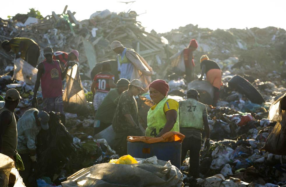 Fechamento do aterro sanitário gigante no Rio de Janeiro 07
