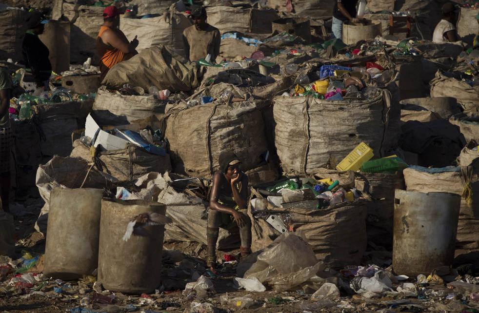 Fechamento do aterro sanitário gigante no Rio de Janeiro 09