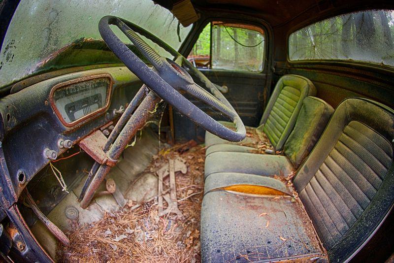 Cidade do Carro Velho: o maior cemitério de carros clássicos do mundo 09