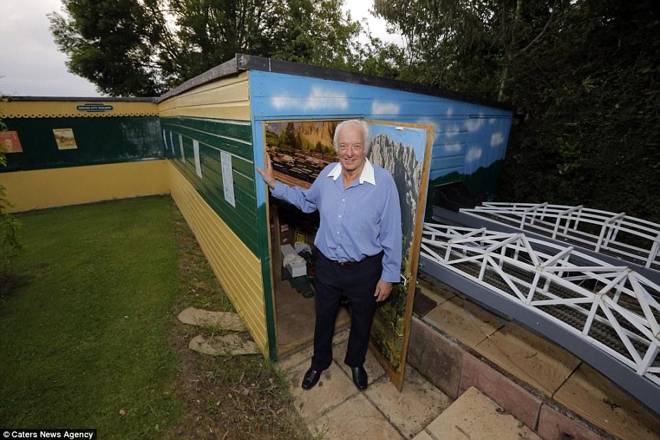 Este homem passou 20 anos construindo sua gigantesca maquete ferroviária 02