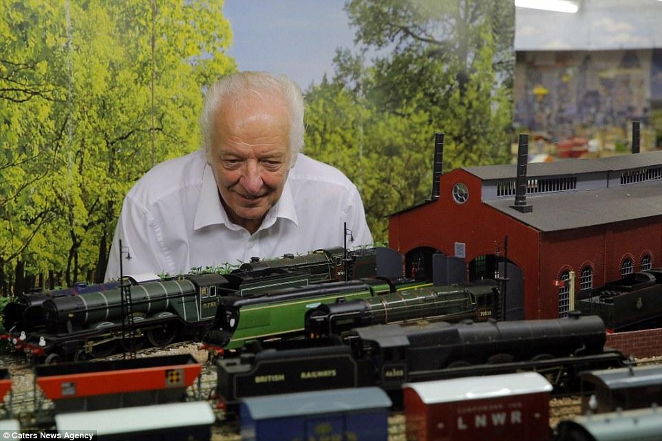 Este homem passou 20 anos construindo sua gigantesca maquete ferroviária 10