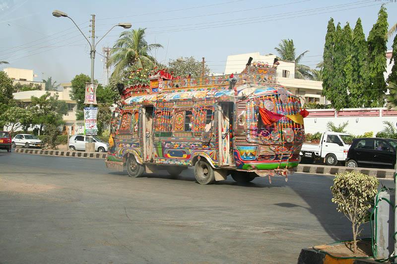 Arte dos coloridos caminh�es paquistaneses 10