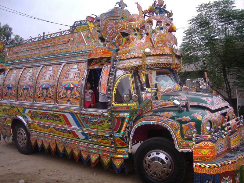 Arte dos coloridos caminh�es paquistaneses 11