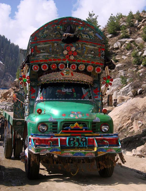 Arte dos coloridos caminh�es paquistaneses 13
