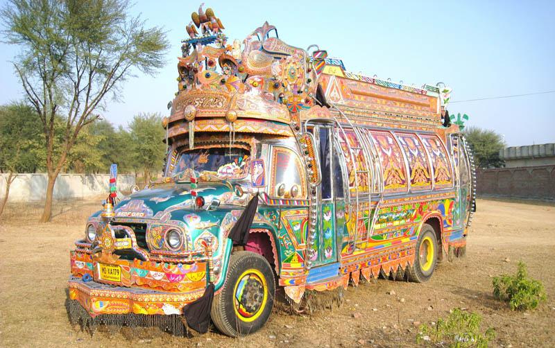 Arte dos coloridos caminh�es paquistaneses 14