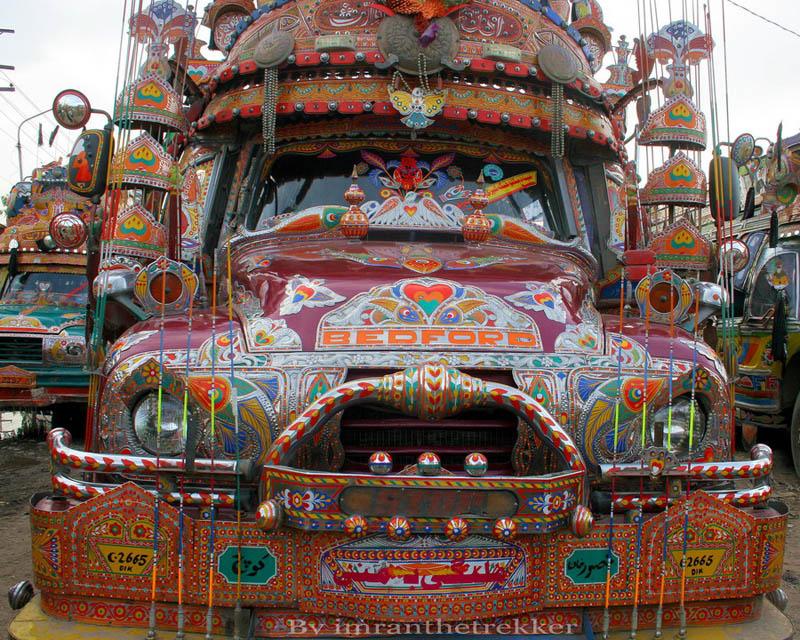 Arte dos coloridos caminh�es paquistaneses 20