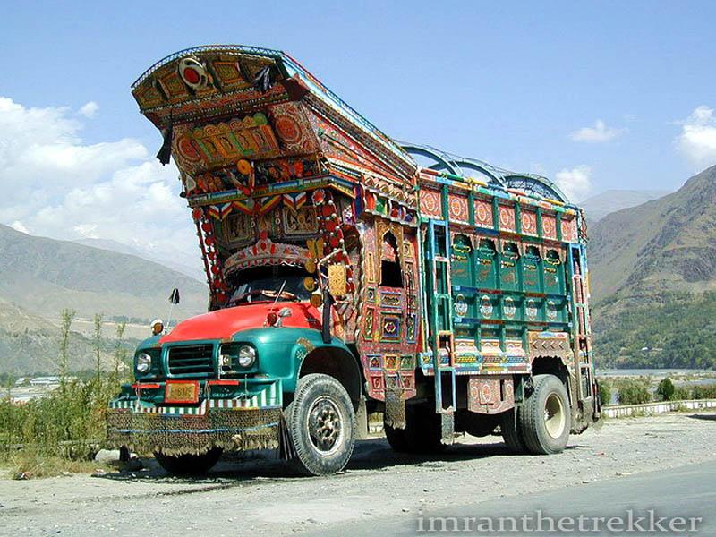 Arte dos coloridos caminh�es paquistaneses 21