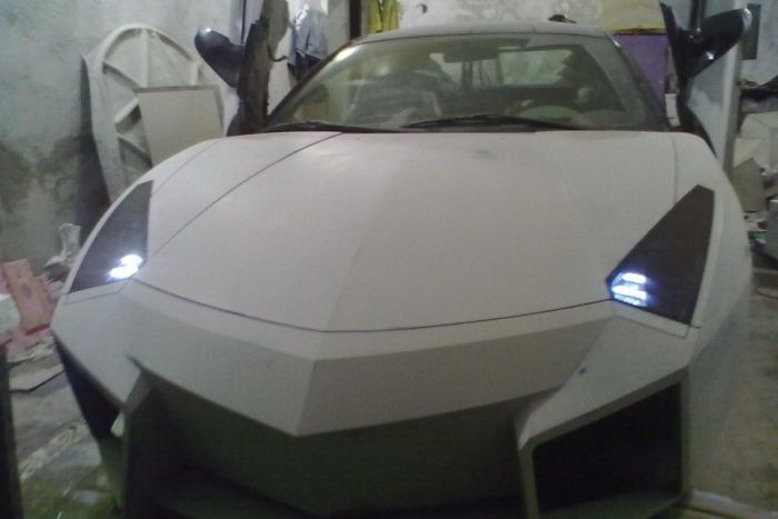 Como faz? Lamborghini Reventon genérica 40