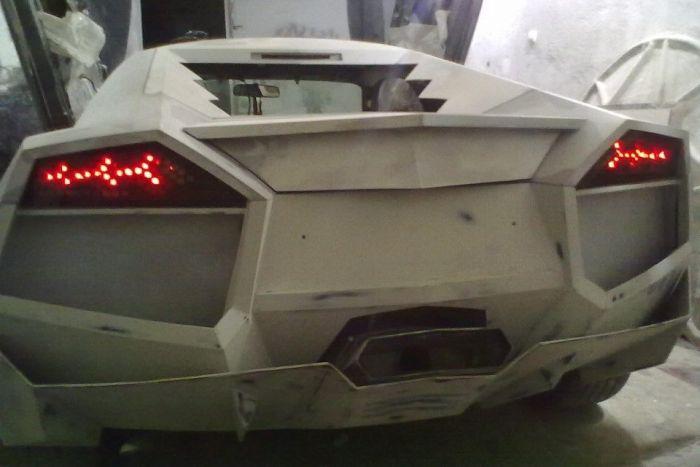 Como faz? Lamborghini Reventon genérica 41