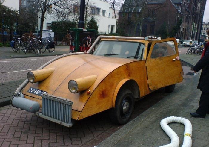 Carros de madeira