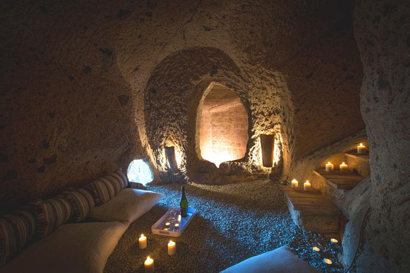 Uma casa construída dentro da caverna 09