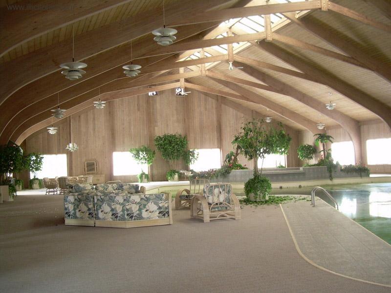 Dê uma olhada na espetacular casa abandonada de Mike Tyson em Ohio 03