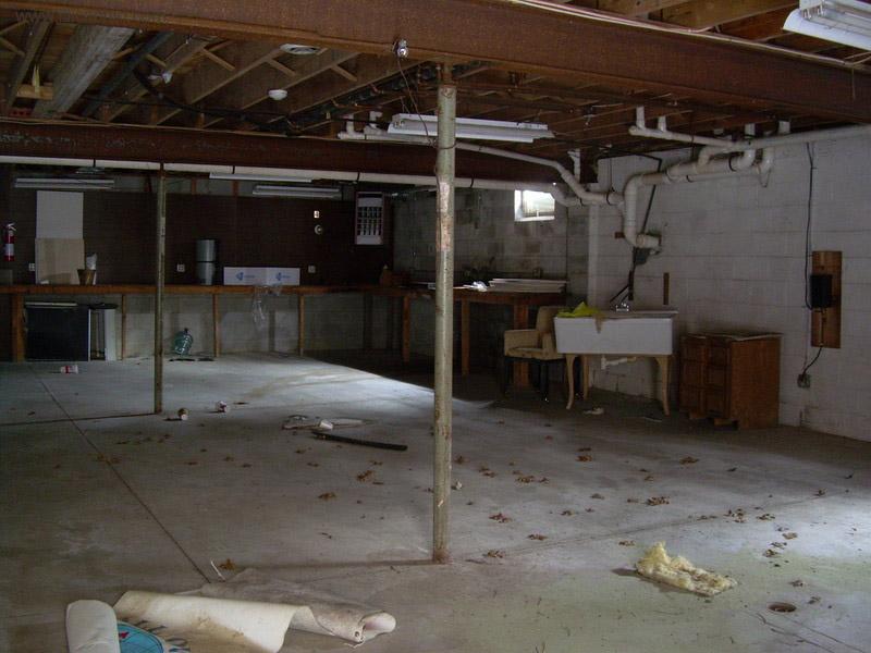 Dê uma olhada na espetacular casa abandonada de Mike Tyson em Ohio 23