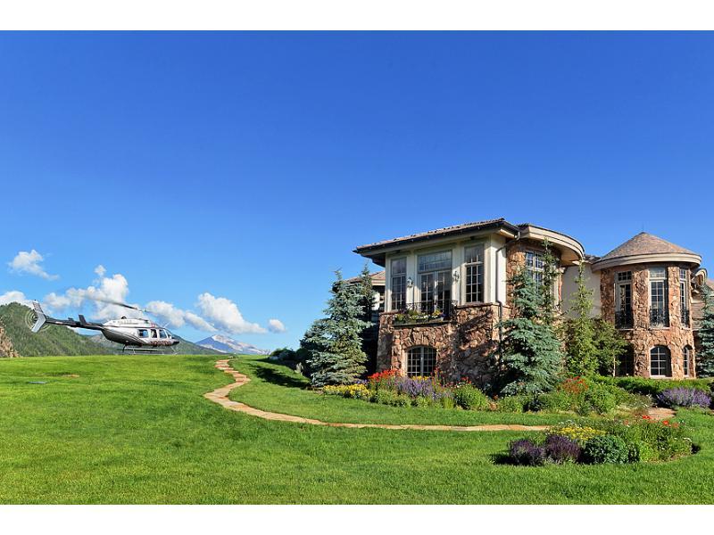 Uma mansão à venda nas montanhas 04