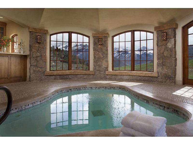 Uma mansão à venda nas montanhas 07