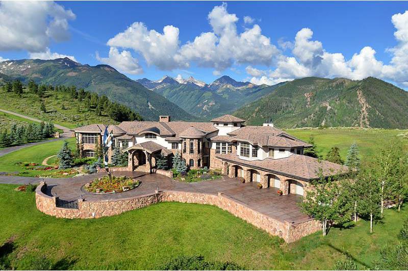 Uma mansão à venda nas montanhas 14