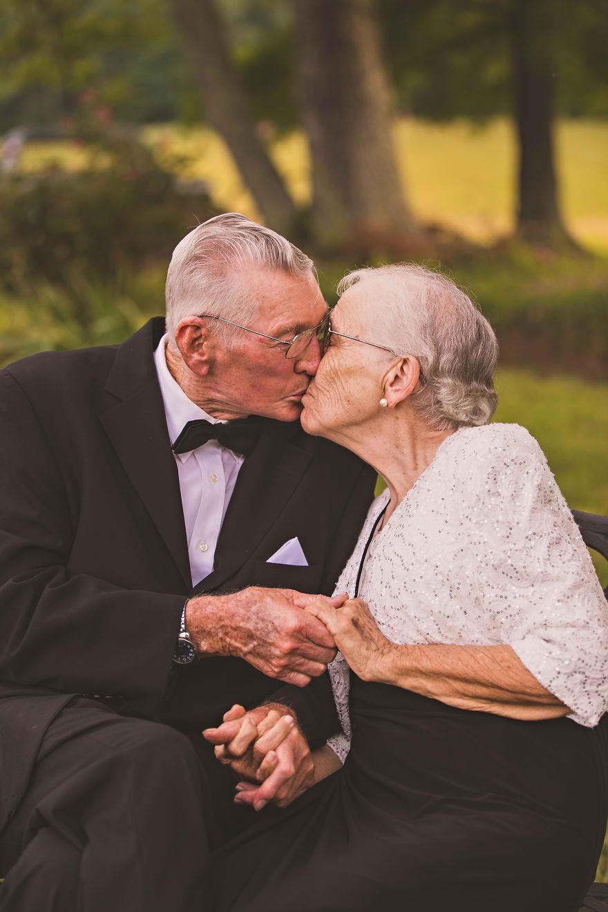 Casal comemora 65 anos de casamento e suas fotos são doces 02