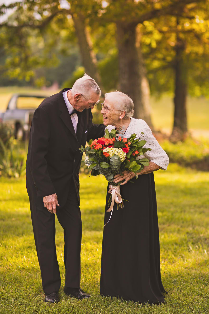 Casal comemora 65 anos de casamento e suas fotos são doces 03