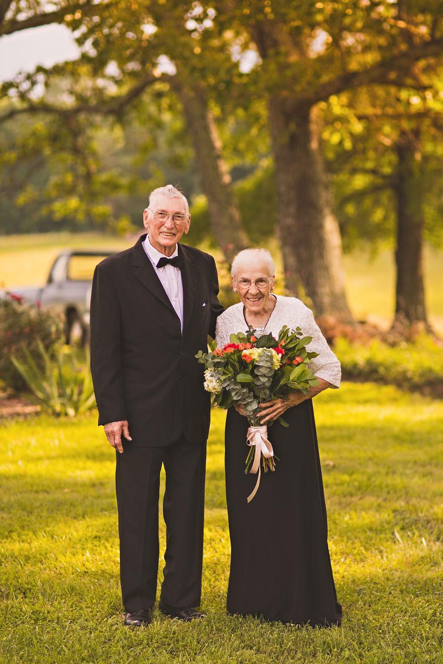 Casal comemora 65 anos de casamento e suas fotos são doces 04
