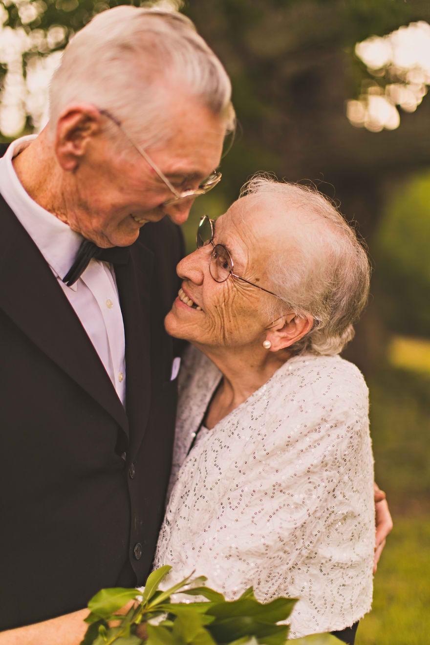 Casal comemora 65 anos de casamento e suas fotos são doces 07