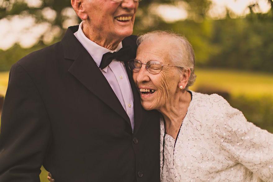 Casal comemora 65 anos de casamento e suas fotos são doces 09