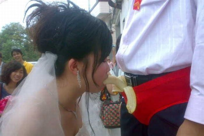 Celebração da banana no casamento chinês 03