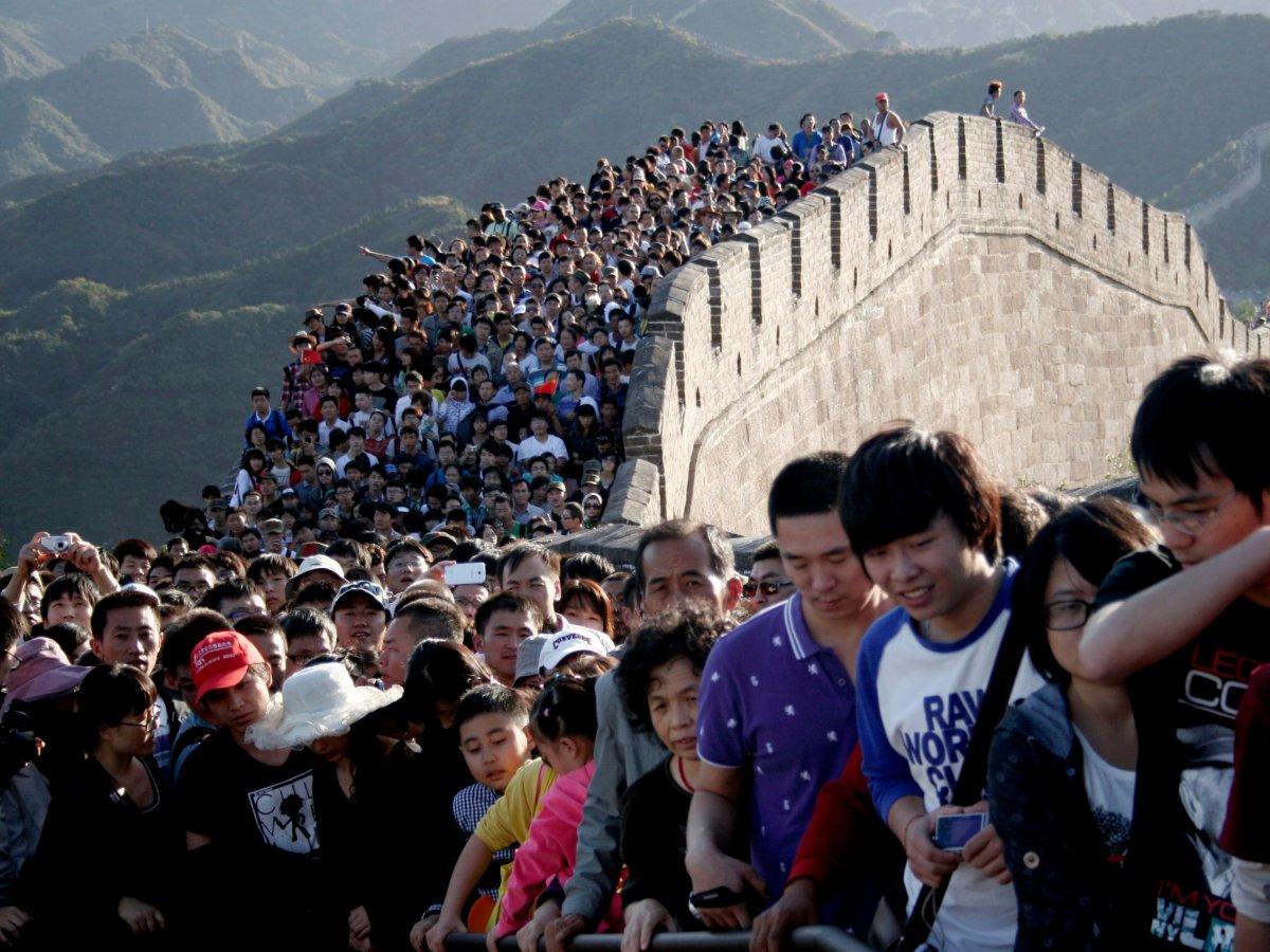 22 fotos que mostram como a China está botando gente pelo ladrão 01