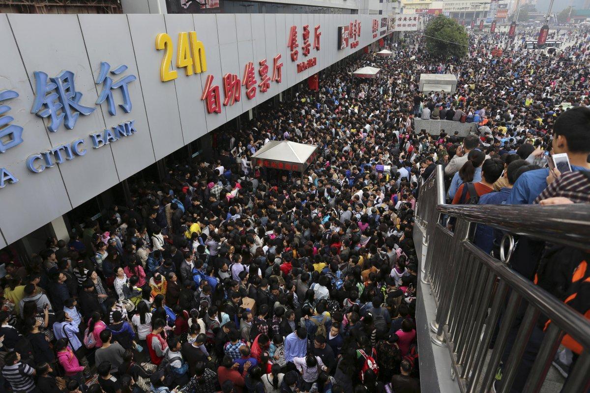 22 fotos que mostram como a China está botando gente pelo ladrão 08