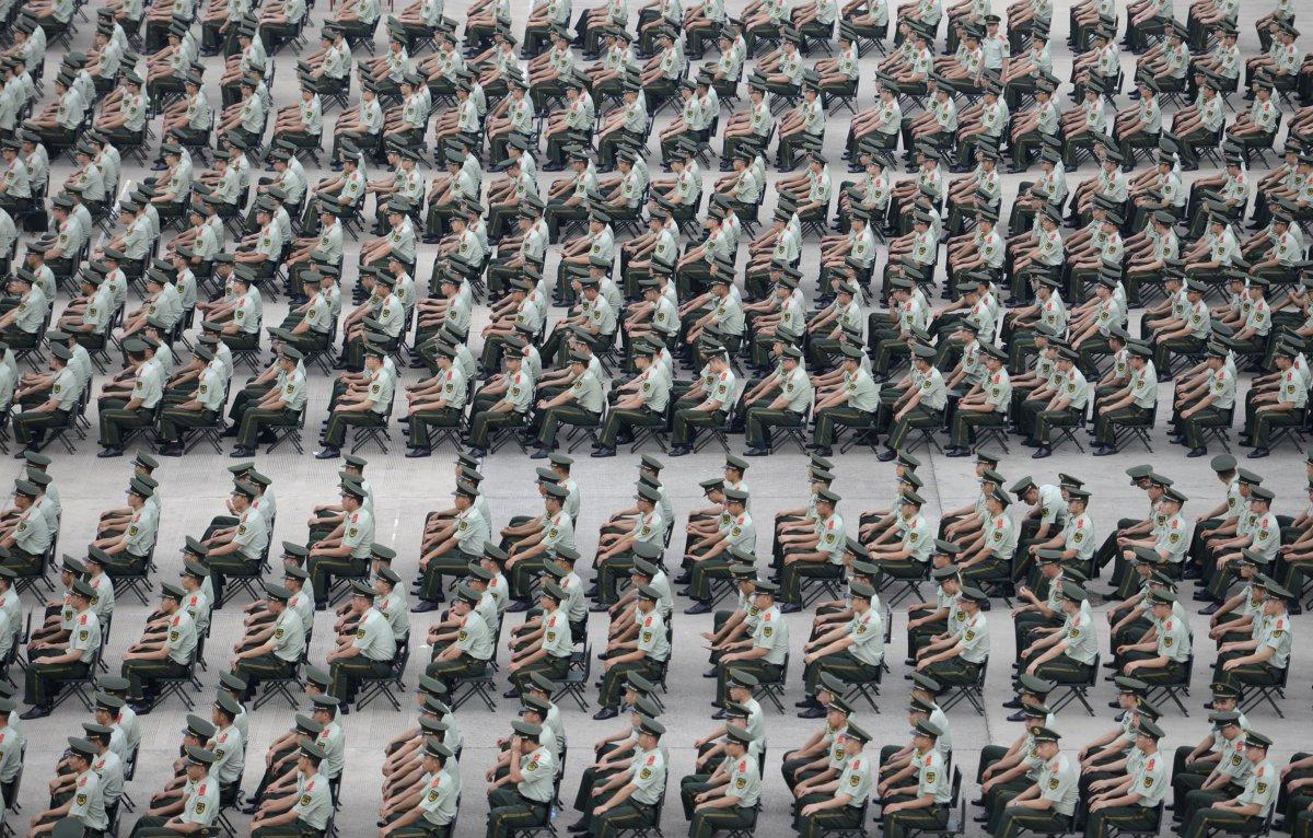 22 fotos que mostram como a China está botando gente pelo ladrão 12