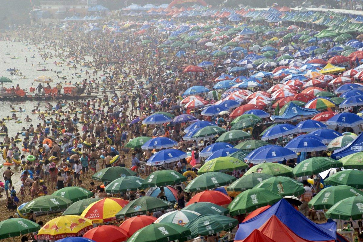 22 fotos que mostram como a China está botando gente pelo ladrão 15