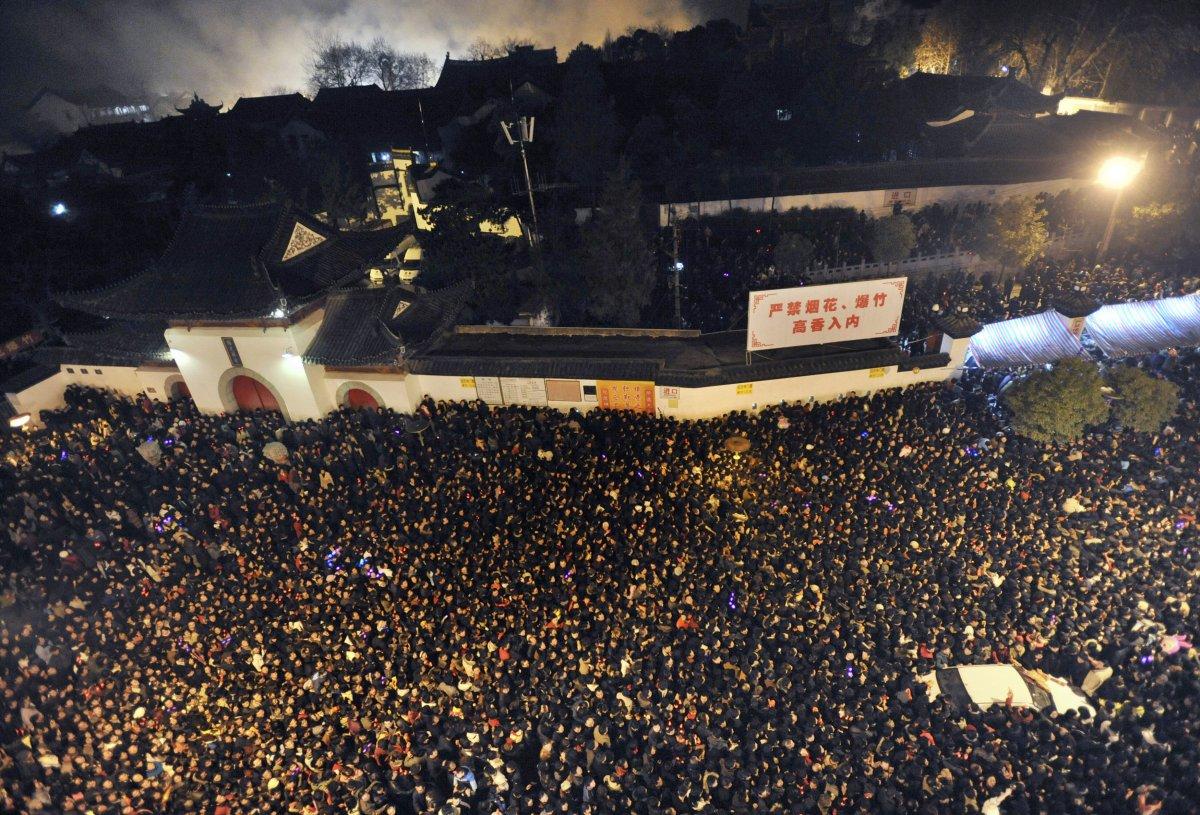 22 fotos que mostram como a China está botando gente pelo ladrão 18