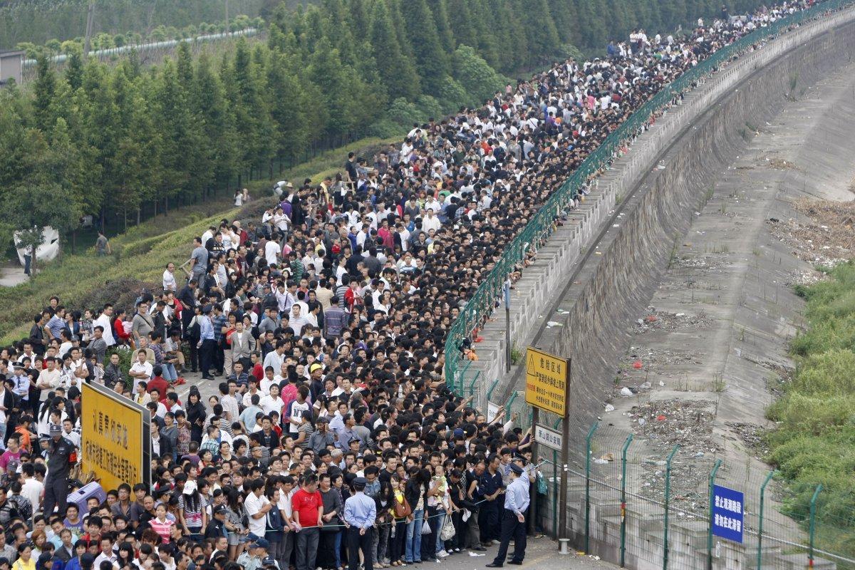 22 fotos que mostram como a China está botando gente pelo ladrão 19