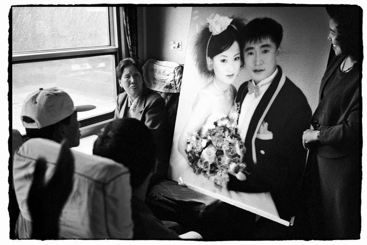 Os chineses no trem  25