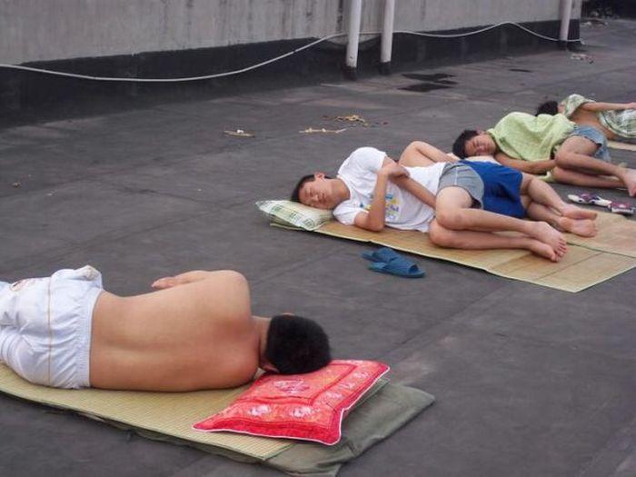 Como os estudantes chineses enfrentam a onda de calor 05