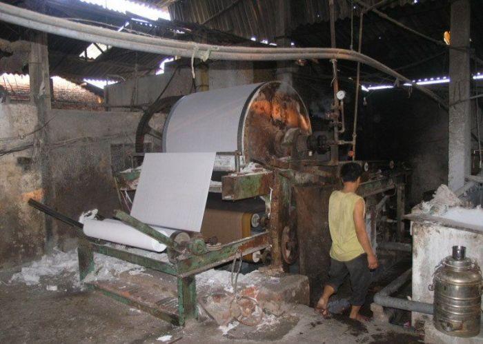 Fábrica de papel higiênico na China 09