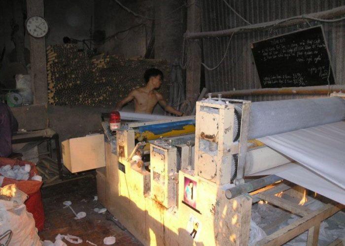 Fábrica de papel higiênico na China 12