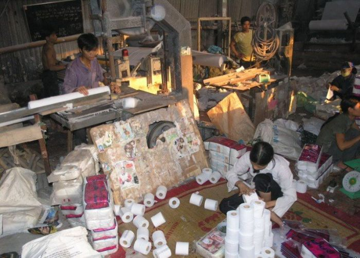 Fábrica de papel higiênico na China 16