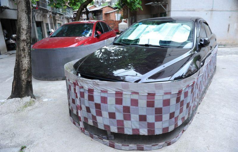 Saiba o que levou os motoristas desta cidade chinesa a tampar assim a seus carros 04