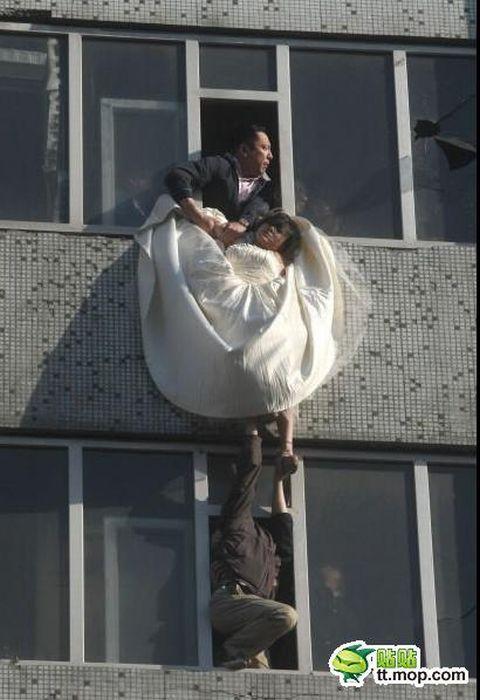 Noiva tenta suicidar-se depois de ser abandonada na porta da igreja 07