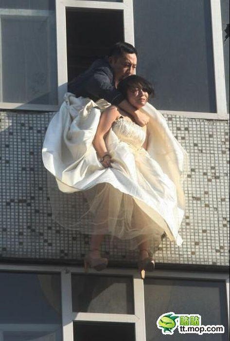 Noiva tenta suicidar-se depois de ser abandonada na porta da igreja 08