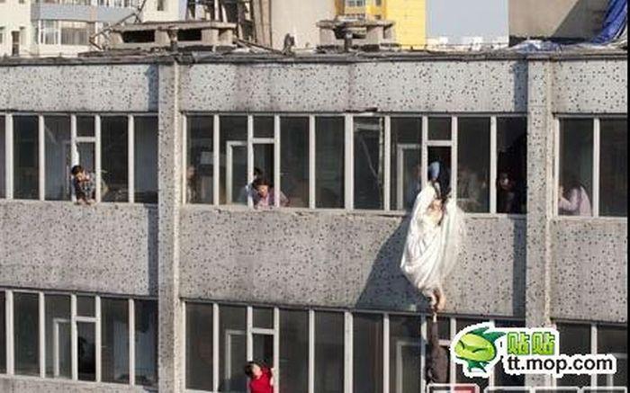 Noiva tenta suicidar-se depois de ser abandonada na porta da igreja 09
