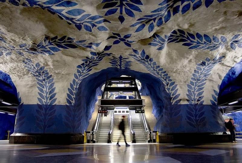 Metrô de Estocolmo: a galeria de arte mais longa do mundo 01